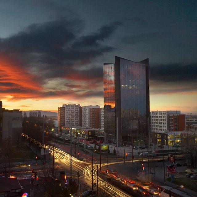 Royal City – административна сграда, търговски и жилищен комплекс